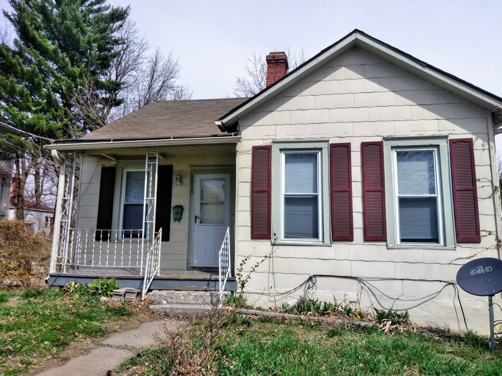 1515 Francis St. 3 Bedroom House for $615 monthly !