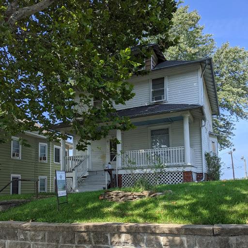 Single Family House For Rent: Donna Farrow & Company